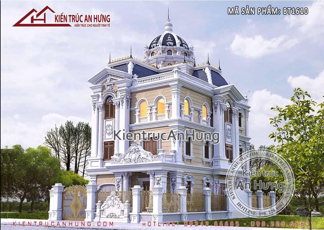 Sự kết hợp màu sắc hài hòa của phần mái vòm làm tăng thêm sự uy nghi cho lâu đài dinh thự